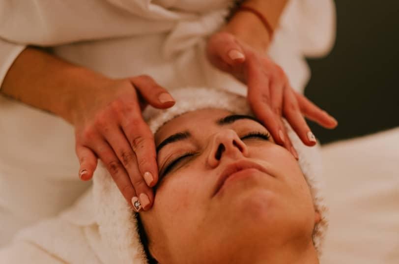 Bioterapia facial - Tratamientos Estéticos en Peluquería Fátima Albo